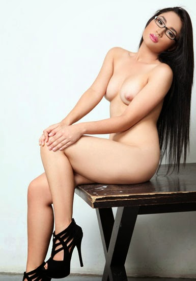 Alyzza-Agustin-Nude-Topless-Photos-www.ohfree.net-042 FHM Philippines Alyzza Agustin Nude Topless Photos Leaked