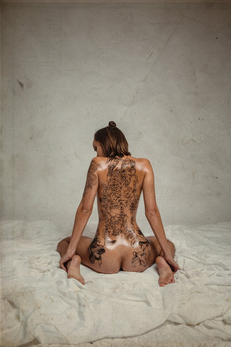 Erin-Tequila-aka-Erin-Fitzgerald-nude-013-by-ohfree.net_ Thai and Irish model Erin Fitzgerald nude and covered in fake tattoos